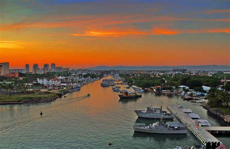 vallarta puerto neighborhoods marina mexico