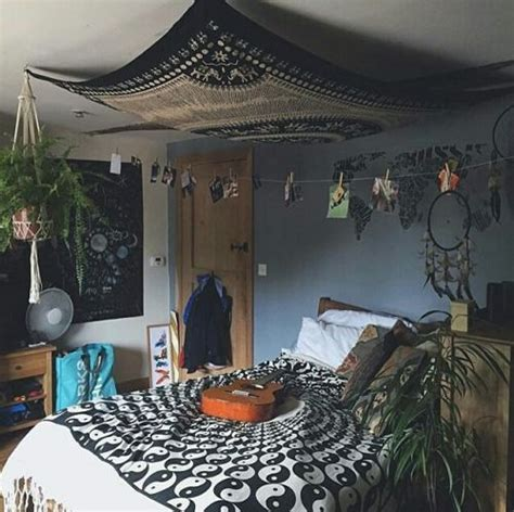 Bedroom Decorating Ideas Hippie by Best 25 Hippie Bedrooms Ideas On Hippie Room