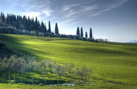 Piccolo cimitero di campagna - Little country cemetery (Ma ...