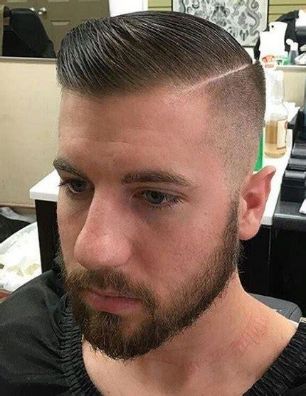 contoh potongan rambut tipis cowok unik ala model