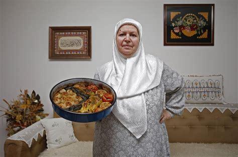 cuisine ramadan breaking their fast