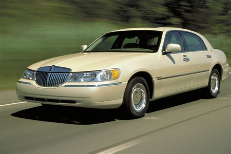 2003 Lincoln Town Car Cartier Fuel Infection