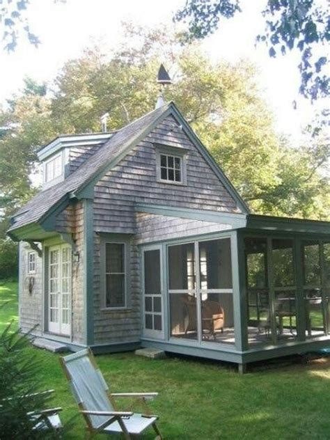 with the porch screened in oh yea small home