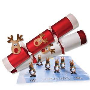 gold baby shower decorations racing reindeer christmas crackers 32cm 12 5in peeks