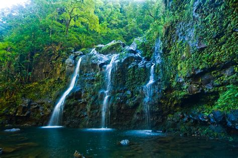 Maui Hawaii Honeymoon Locations Waterfall   SouthTracks