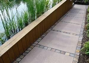Pflastersteine Muster Bilder : schwimmteiche im garten plattenbelag terrassenplatten und pflastersteine ~ Frokenaadalensverden.com Haus und Dekorationen