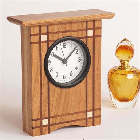 crisscross clock woodworking plan  wood magazine