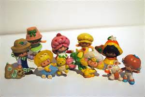 1980s Strawberry Shortcake Figurines Toys