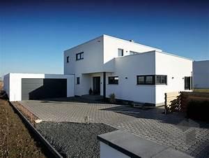 Moderne Häuser Preise : 10 best idee su bauhausstil haus su pinterest ~ Markanthonyermac.com Haus und Dekorationen