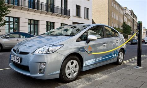 Gas Electric Hybrid Cars by Things To About Fuel Efficient Hybrid Electric Cars