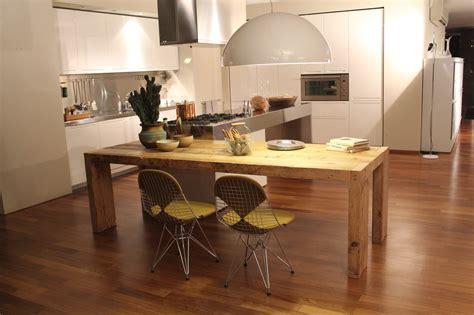 lada di wood tavoli da pranzo per sala e cucina hellohome it