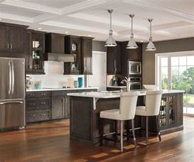 thomasville kitchen islands maple bathroom cabinets aristokraft cabinetry