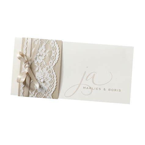 romantische vermaehlungskarten mit festlicher spitze
