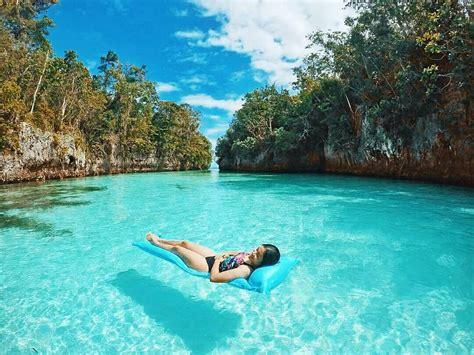 pulau bair eksotisme maluku tenggara  ikonik