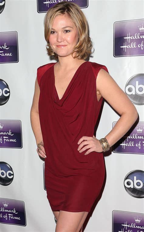 julia ye actress julia stiles photos photos premiere of disney abc