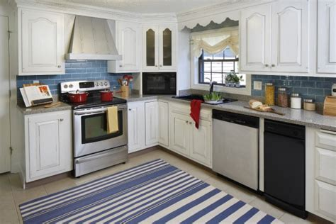 cottage style kitchen backsplash 7 to die for white kitchens 5911
