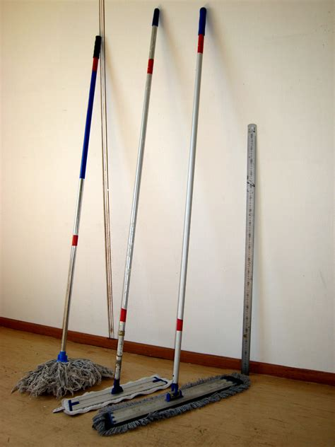 how to mop file mop three different mop handles jpg wikimedia commons