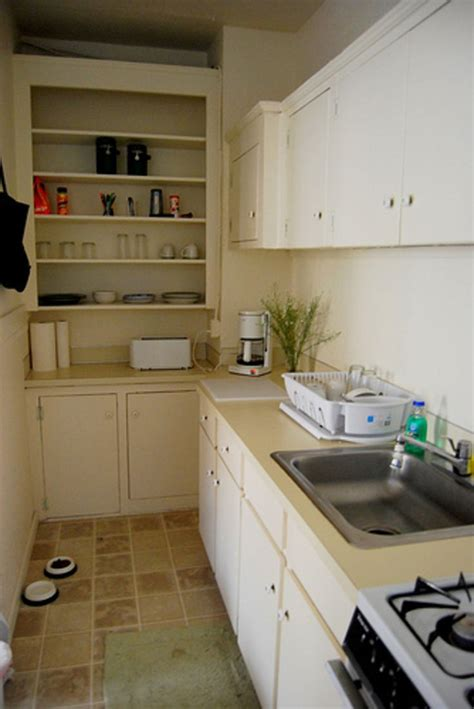 Small Galley Kitchen Ideas by Best 25 Small Galley Kitchens Ideas On