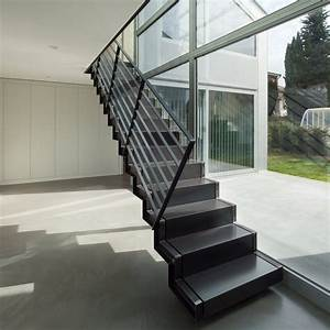 Boryana Staircase Single Metal Stringer Staircase With