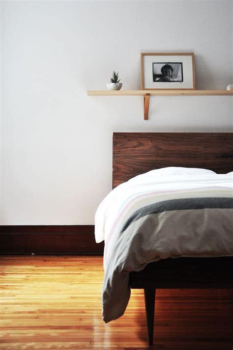 Bett Mit Regal Kopfteil by 1000 Ideas About Shelf Above Bed On Above Bed