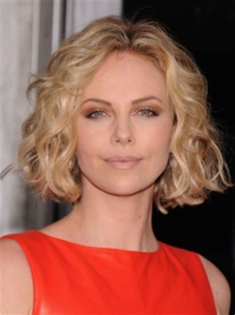 pictures charlize theron hairstyles