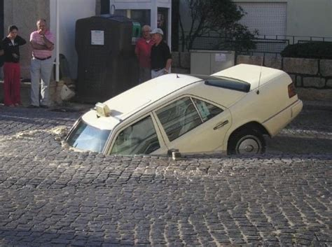 Car Accidents Funny Pictures- Hot