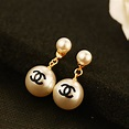 Chanel 簡約雙珍珠耳環 Chanel 簡約雙珍珠耳環