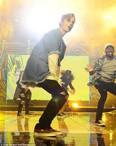 Justin Bieber Hits The Stage At Bbc Radio 1s Teen Awards