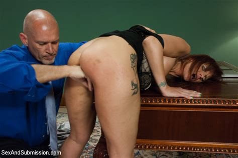 Smoking Hot Milf Gets Severe Sexual Punishment And Rough