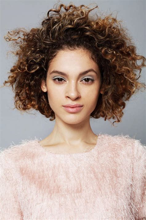 Hairstyles For Curly Hair by 25 Easy And Hairstyles For Curly Hair Southern Living