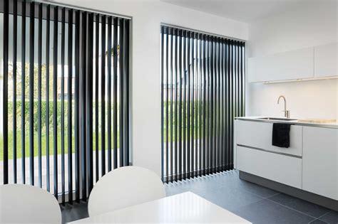 rideaux a lamelles verticales store 224 bandes verticales laloux stores