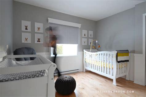 chambre bebe toysrus décoration chambre de bébé gris et jaune thème