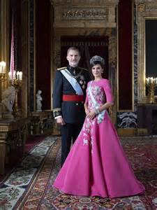 spains king felipe queen letizia princesses sofia