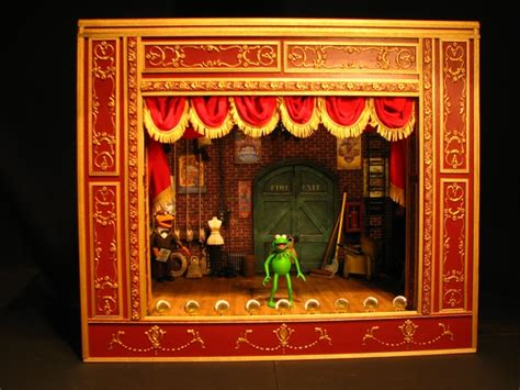 man creates incredibly detailed muppet show theater