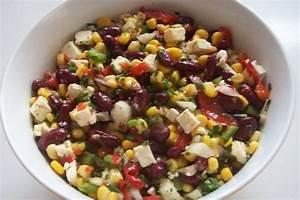 Bunter Salat mit Kidneybohnen, Mais und Feta Rezept