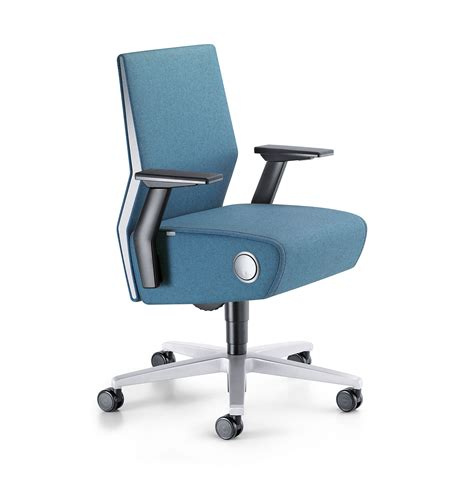 product spotlight interstuhl volume 8 chair modern