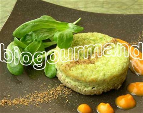 cuisiner les verts de poireaux recette de fonio en timbales de poireaux coulis courge et