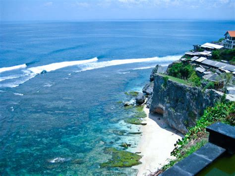 Uluwatu - Breathtaking views with some of the best waves ever
