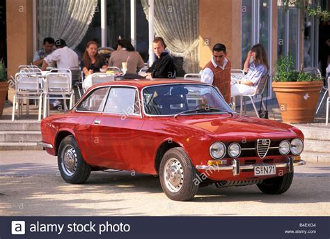 Vintage Alfa Romeo by Car Alfa Romeo Gt Veloce 1750 Bertone Vintage Car Model