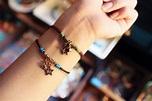 Pin by MenWen TW on 手鍊配戴 | Beaded bracelets, Jewelry, Beaded