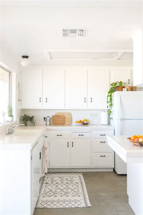 picture of kitchen cabinets this joshua tree home got a new budget friendly kitchen 4189