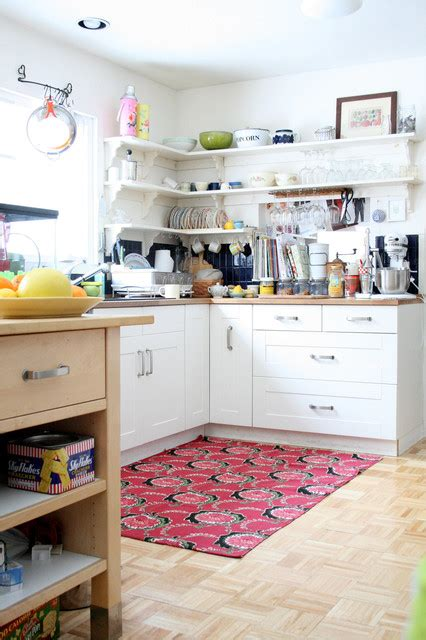 super functional corner kitchen designs suitable  small spaces