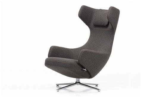 grand repos lounge chair designed  antonio citterio