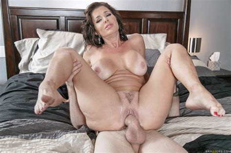 Big Titted Housewife Got Fucked Very Hard Photos Veronica