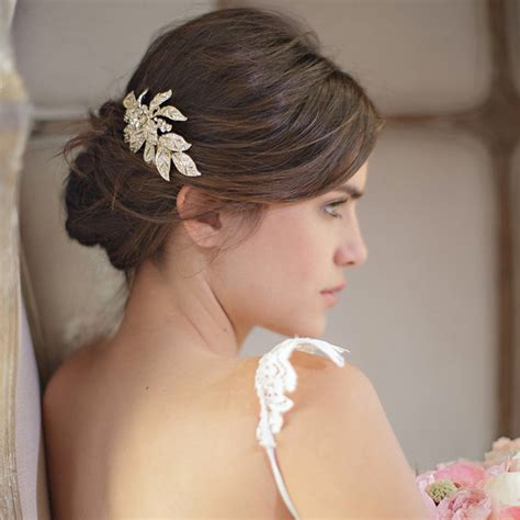 coté maison cuisine les barrettes comme accessoire de coiffure de mariée