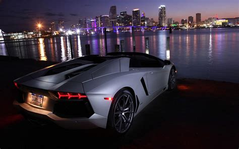 Luxurius Car : Luxury Car Wallpapers