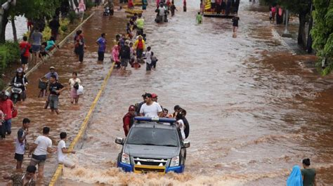 Laporan akhir praktikum fisiologi dan teknologi pasca panen. Contoh Teks Berita Banjir Di Jakarta - Terkait Teks