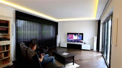 tv wand 55 zoll beamer wohnzimmer so gelingt der gro 223 e bild spa 223