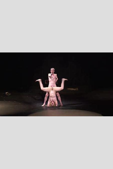 Naked Julie Atlas Muz in Vancouver International Burlesque ...