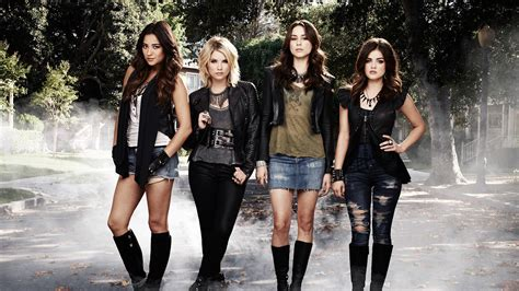 Pretty Little Liars: Season Six and Seven Renewals on ABC ...